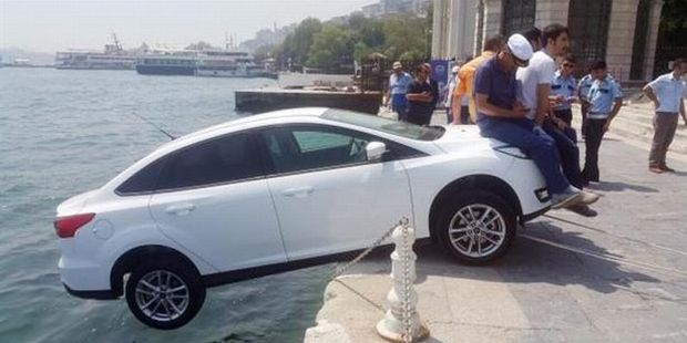 According to the uploader, this was the result of some Canadian tourists forgetting to use their handbrake in Turkey. Photo / Imgur, GloriousShinyBastard