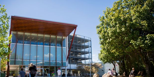 Waitakere Cdentral Library for Weekend