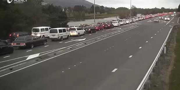 Traffic on SH2 is at a crawl, with queues all the way back to Upper Hutt from Horokiwi. Photo/NZTA
