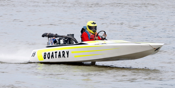 Matt Gaudin claimed the River City 3000 title during the Wanganui Motorboat Club's annual regatta at the weekend.