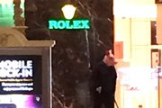 Image tweeted by @Kir_kamil . Original caption: Literally just witnessed an armed robber in a pig mask at a Rolex store at the Bellagio & then his arrest #bellagio #vegas #rolex #robbery