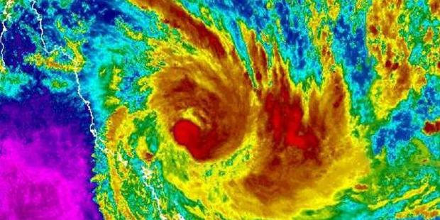 Loading Cyclone Debbie is growing in intensity as it approaches the north Queensland coast. Photo / Bureau of Meteorology