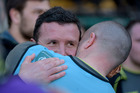 Aaron Mauger of Leicester Tigers is hugged following the Aviva Premiership match against Northampton Saints and Leicester Tigers. Photo/Getty Images