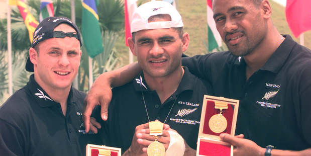 Loading New Zealand sevens stars Christian Cullen, Eric Rush and Jonah Lomu show off their gold medals won at the 1998 Commonwealth Games. Photo / Jimmy Joe