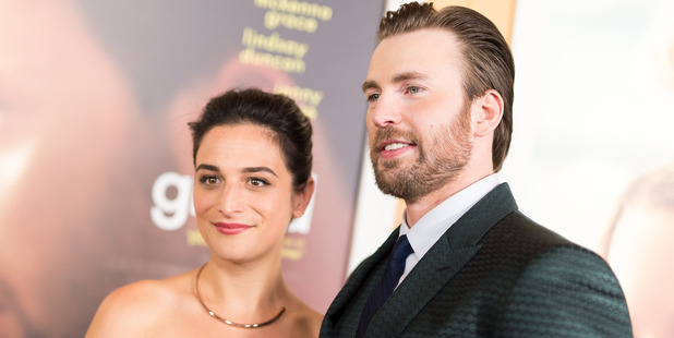 Actors Jenny Slate and Chris Evans have awkwardly called it quits. Photo / Getty