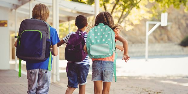 There have been about a dozen approaches by strangers in vehicles to children walking before or after school in Auckland since November. Photo / 123RF