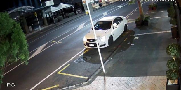 CCTV footage of the get-away car used in the theft of two Gottfried Lindaeur paintings. Photo / supplied.