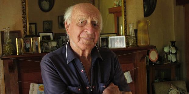 Rawene's Bill Tuckey turned 105 on Tuesday. PHOTO/PETER DE GRAAF