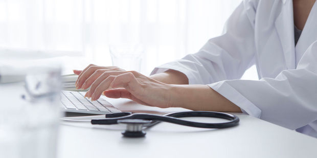 To Google or not is an issue doctors admit to grappling with. Photo / 123RF.com