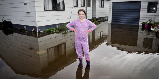 New Zealand escapes worst of tropical storm
