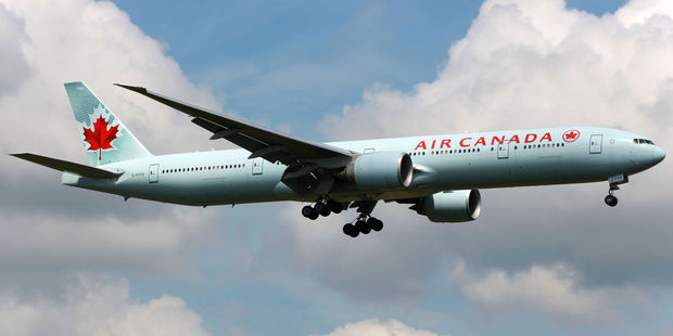An Air Canada plan landed in London without a wheel after the tyre snapped off in mid air (file photo). Photo/123RF