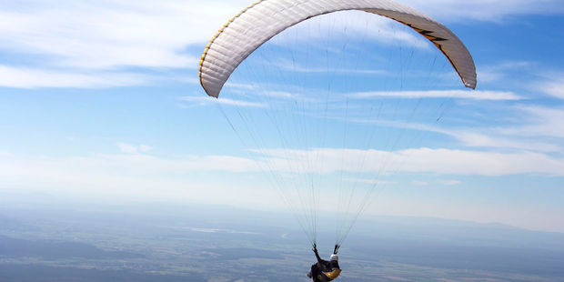 Police said the paraglider has died at the scene. Officers are working to notify next of kin. Photo / 123RF (Stock image)