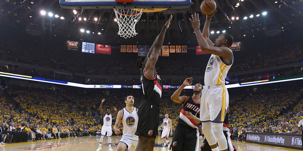 Durant sits as Warriors 'err on side of caution'