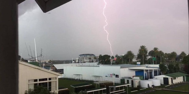 Bolts of lightning as electrical storm moves through Gisborne. Photo / Georgia Williams