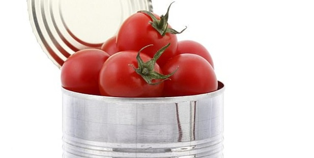 Tomatoes have high levels of acidity. Photo/Getty Images