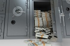 One night Shon Hopwood's best friend turned to him in a bar and suggested that they rob a bank. Photo / 123RF