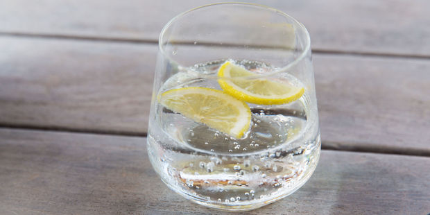 Adam Stone, a dentist in London's Harley Street, warns that most people have no idea that fizzy water is extremely acidic. Photo/123RF