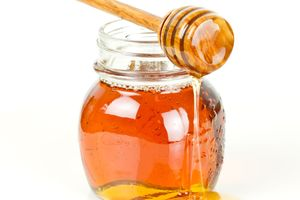 New manuka test alone will not stop fake goods, says industry spokespeople. Photo / 123RF