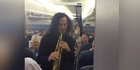 Watch: Watch: Kenny G plays impromptu performance on flight