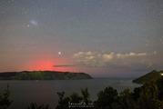 Auckland photographer Gareth West captured this shot of last night's aurora over the Manukau Heads. Photo / Gareth West/Focused West Photography