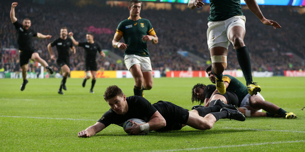 Beauden Barrett scores a try in the semifinal between the teams in 2015. Photo / Getty