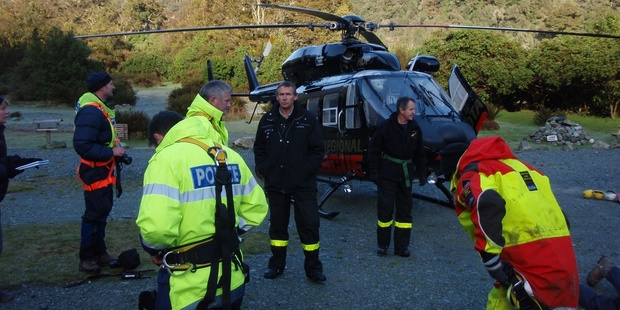 Rescuers search for climbers in the Mt Aspiring area. Photo/Supplied