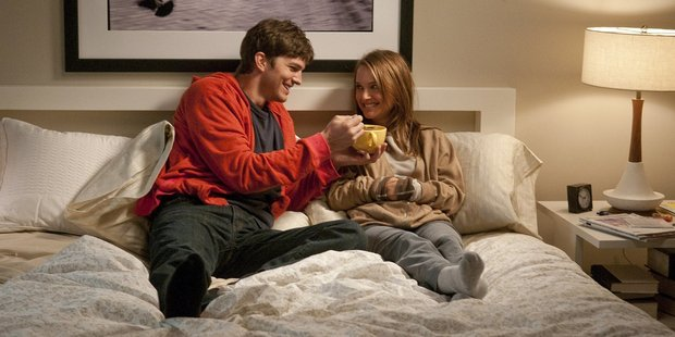 Loading Ashton Kutcher and Natalie Portman star in the film, No Strings Attached.