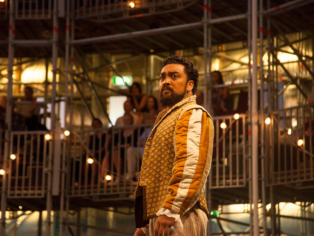 Actors hit out at Pop-Up Globe's traditional Shakespearean casting of men in women's roles