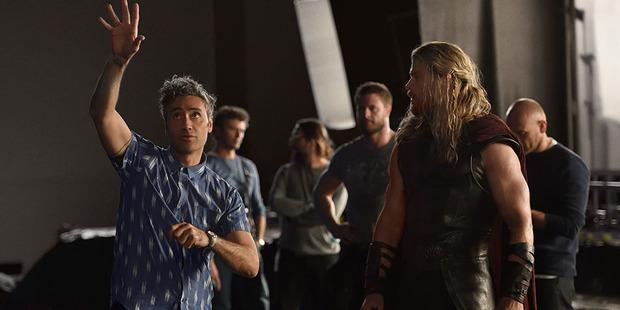 Taika Waititi directs Chris Hemsworth on the set of Thor: Ragnarok. Photo/Marvel Studios