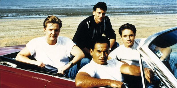 Early 1995 saw both Martin Henderson and Temuera Morrison left the cast of Shortland Street but ratings were still riding high.