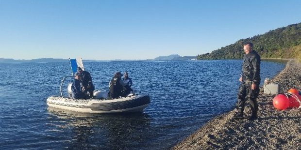 Marine biology students training to meet scientific diving standards enjoyed perfect weather at Motutere Bay last weekend. NIWA scientist Crispin Middleton is pictured on shore.