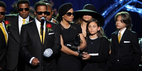 Paris and Prince I (right) stand on stage at the Michael Jackson public memorial service, July 7, 2009. Photo / Getty Images