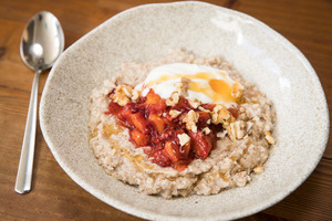 Recipes: Start your day with warm oats