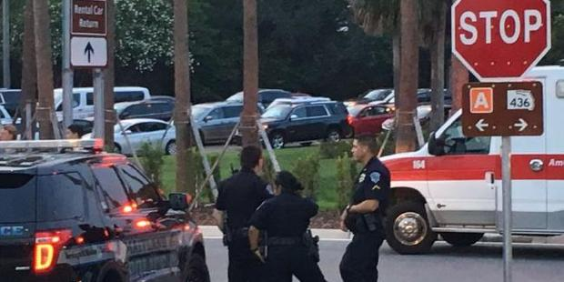 Officers respond to report of armed man at Orlando airport