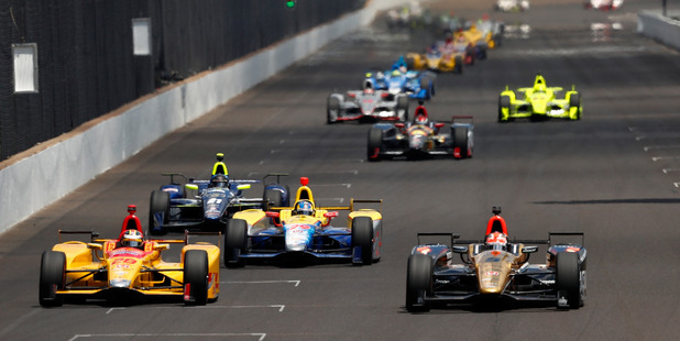 James Hinchcliffe and Ryan Hunter-Reay lead the field. Photo / Getty Images