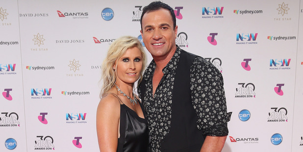Shannon Noll arrives with his wife Rochelle Ogston for the 30th Annual ARIA Awards 2016. Photo / Getty