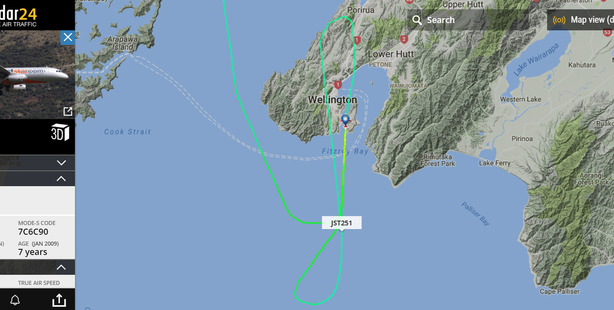 Screengrab of the flight track for Jetstar flight JQ251 that landed at Wellington Airport during very strong winds.