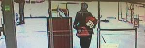 Robber pulls gun on Kiwibank staff