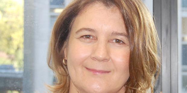 Dr Pauline Calvert