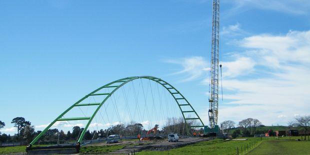 Te Awa Great NZ Cycleway, cycle and pedestrian bridge and crane. Photo: Geoff Lewis