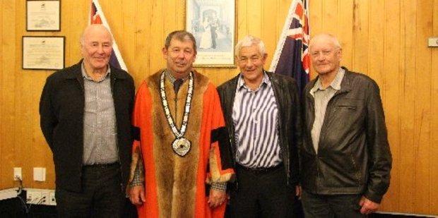(l-r) Robin Vickers, Mayor Neil Volzke, John Campbell and Roger Hignett.