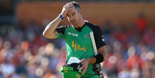 Kevin Pietersen of the Stars walks back to the rooms after being dismissed by Mitchell Johnson of the Scorchers. Photo / Getty Images