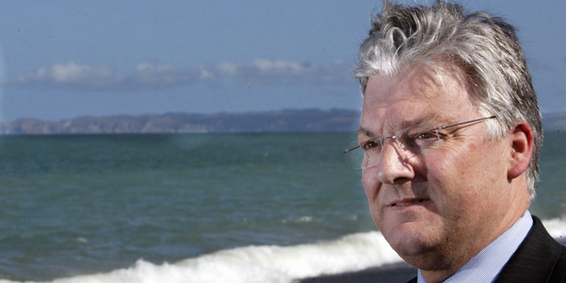 United Future leader Peter Dunne has launched a petition to have summer moved. Photograph: Paul Taylor