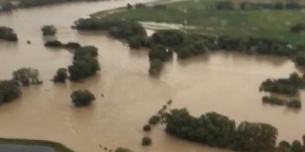 Watch Southland town cut off by flooding