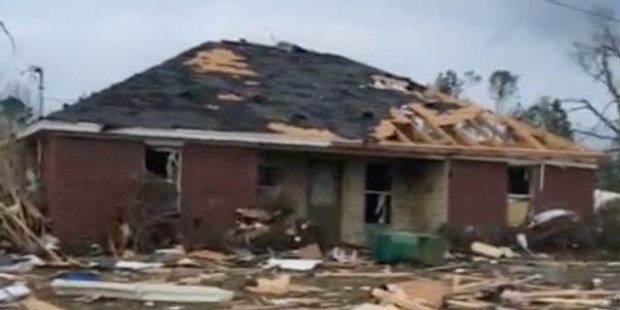 Watch Tornado kills four in southern Mississippi