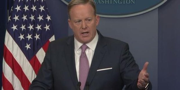 Watch Trump spokesman Spicer defends 'most watched' inauguration claim