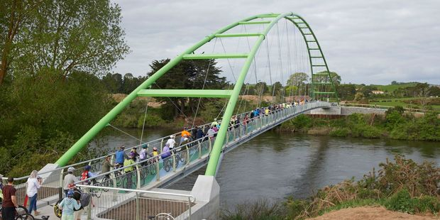 The Perry Bridge was opened to more than 1000 cyclists and pedestrians on November 2. The bridge connects a section of the Te Awa River Ride. Photo / Supplied