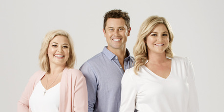 Toni Street will continue to host The Hits breakfast show with Sarah Gandy and Sam Wallace in 2018.