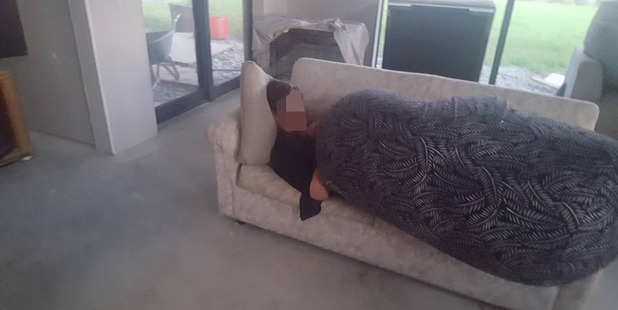 The man used a bean bag as a blanket after inviting himself onto Gordon Pryor's couch. Photo / Facebook