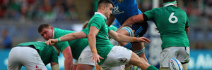 Conor Murray of Ireland kicks the ball during the Six Nations against Italy in Rome. Photo/Getty Images